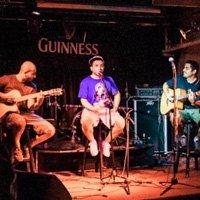 Свежарска песен от Хамак с членове на La Muchedumbre, SDX и Rocco E Freddy
