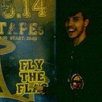 Слушай първото записано парче на Fly The Flag!